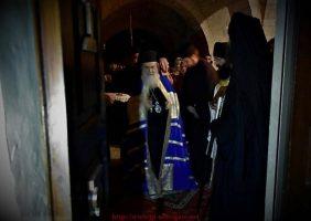 Prea Fericirea Sa Patriarhul Ierusalimului conducând privegherea