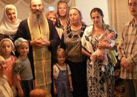 Preafericitul Patriarh în timpul împreună-slujirii patriarhale din Sf. Biserică a Mântuitorului din Moscova