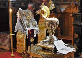 Taina Sfântului Maslu înainte de Crăciun la Sfinții Constantin și Elena
