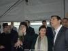 Doamna Moropoulou explicând domnului Tsipras lucrările la pereții Ediculei