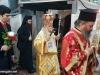 Prea Fericirea Sa și Consulul General în timpul procesiunii