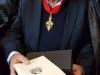 Domnul Atanasie Abu- Aeta primind o copie a cheilor orașului