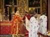 Părintele Nectarie în timpul Sfintei Împărtășanii