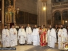 Părintele Nectarie adresându-se Înalt Prea Sfințitului Mitropolit