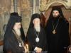 Patriarhul Ecumenic și Patriarhul Ierusalimului în interiorul Sfintei Edicule