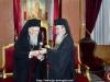 Sanctitatea Sa Patriarhul Ecumenic oferă Preafericirii Sale o cârjă patriarhală