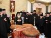 Părinții cântă troparul Sfântului Vasile