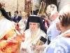 Preafericirea Sa și Arhiepiscopii merg la Biserică în veșminte liturgice