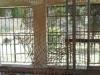 Vandalizarea balustradei și a gardului de sârma de la Paraclisul de pe Sion